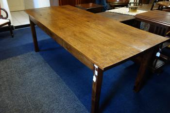 Engelse Country tafel, MR3913 1